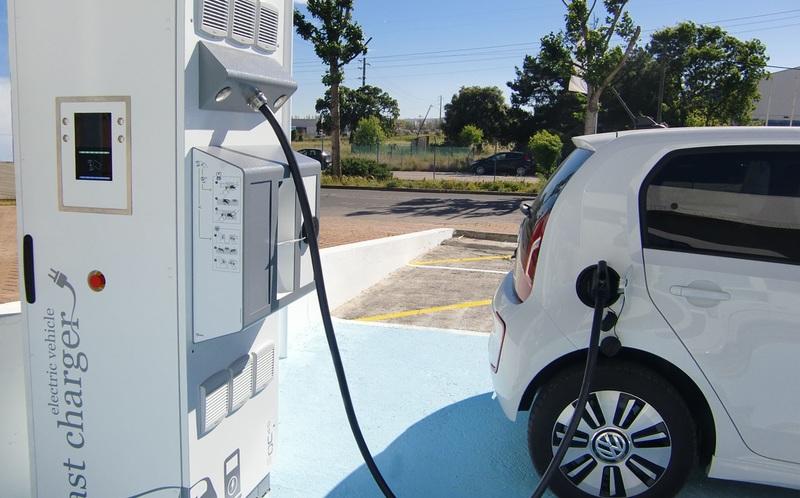 Как дефицит кобальта влияет на мировой рынок электромобилей
