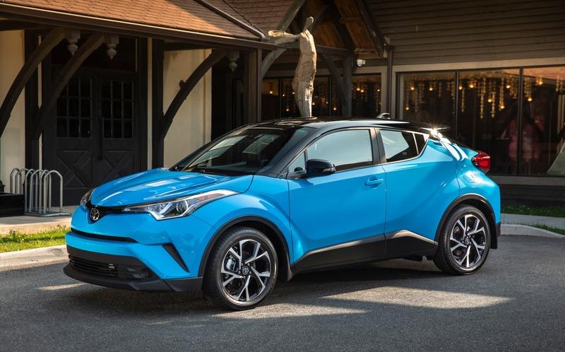 Тойота планирует поставки в Россию компактного кроссовера C-HR