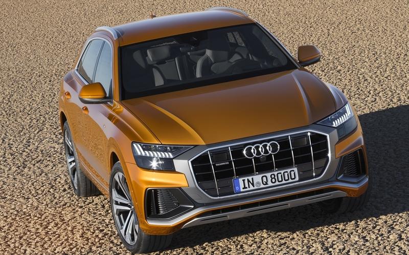Новая Audi Q8: подробности и фотографии