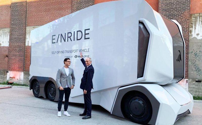 В Швеции совершил первый коммерческий рейс беспилотный электрический грузовик