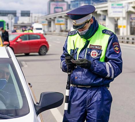 Действие просроченных водительских прав продлили до конца года